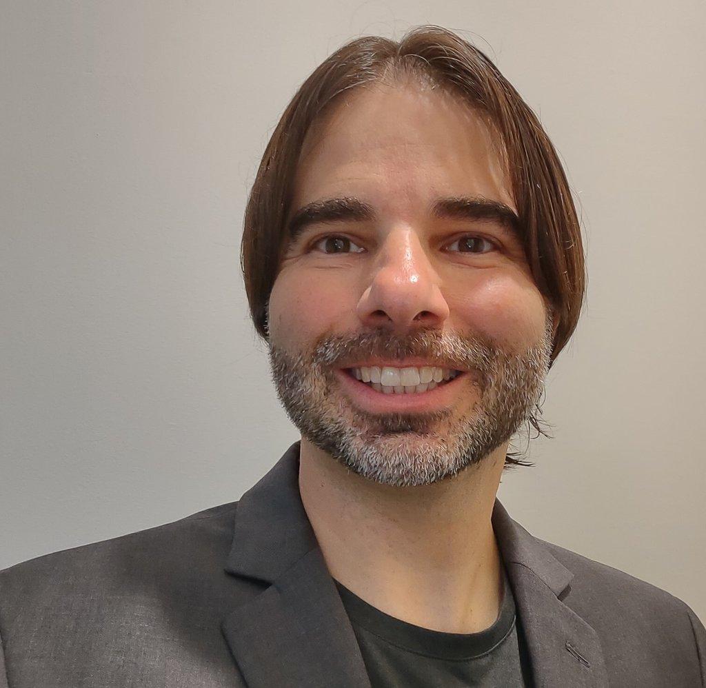 Headshot of Derek DiGiacomo